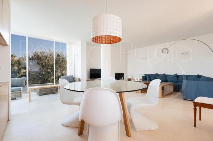 the modern and bright living room
