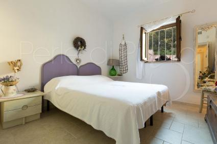 Double bedroom in the trullo