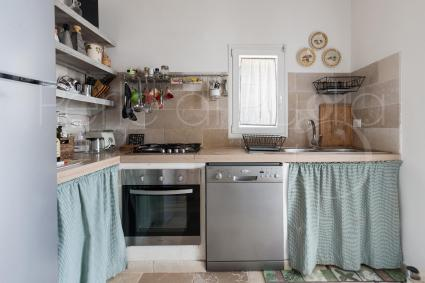 The kitchenette of the first house is well equipped