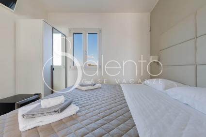 La camera da letto 1, con aria condizionata, bagno e frigobar