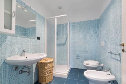 The en suite shower room, in room 1
