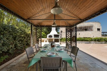 The gazebo is ideal during lunch or dinner, with barbecue grill
