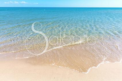 The beach between Ginosa Marina and Castellaneta is close to the villa